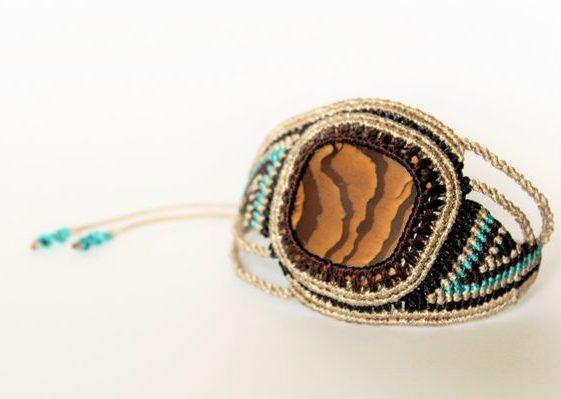 Mara-Macrame-Bijoux-Micro-Macrame-Bracelet